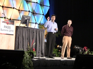 Rohan Kumar (главный менеджер программ SQL Server RDBMS) и Quentin Clark (главный менеджер Microsoft)